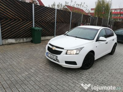 second-hand Chevrolet Cruze 1.6 2012 124 CP
