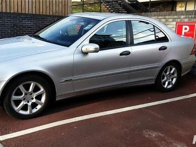 second-hand Mercedes C220 CDI 150 CP berlina, Automatic, 2005, UK
