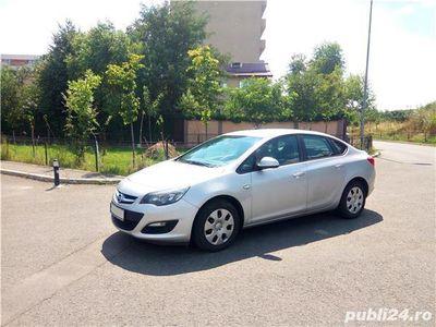 second-hand Opel Astra 1.4 sedan 2013 proprietar, ac, geamuri electrice, 8 roti