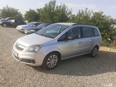 second-hand Opel Zafira 1.9 diesel...7 locuri...recent adusa