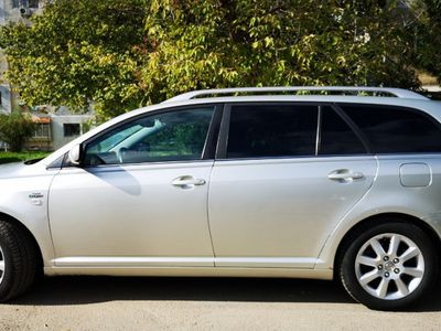 second-hand Toyota Avensis 2.2 D-CAT