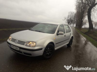 second-hand VW Golf IV 1.6 4 35mil impecabil