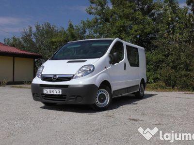 used Opel Vivaro mixt 6 locuri si marfa aer conditionat