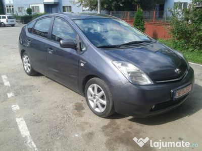 second-hand Toyota Prius 2, navi webcam