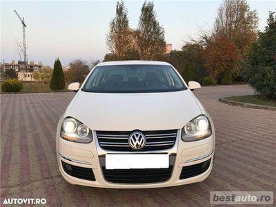 second-hand VW Jetta Highline / 2.0 TDi 170 CP / Navigatie Mare / Bi-Xenon / Tapiterie Piele .