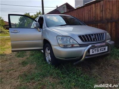 second-hand Lexus RX300