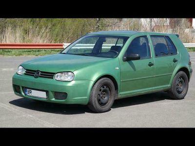second-hand VW Golf IV - an 2000, 1.4 16v (Benzina)