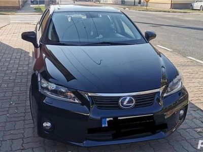 second-hand Lexus CT200h