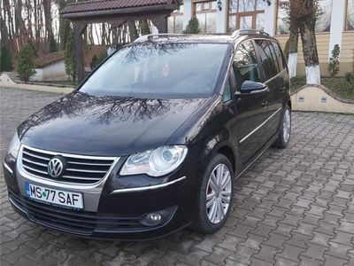 second-hand VW Touran 2010
