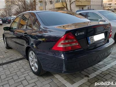 second-hand Mercedes C200 w203 - 2007.