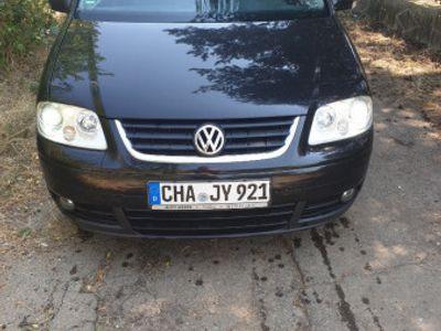 used VW Touran 6 trepte 140cp din 2004 euro 4 ,2 chei propr