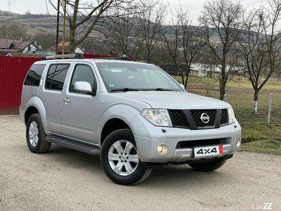 second-hand Nissan Pathfinder 2.5