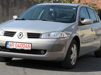 second-hand Renault Mégane II Sedan - an 2005, 1.6 (Benzina)
