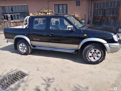 second-hand Nissan Navara d22
