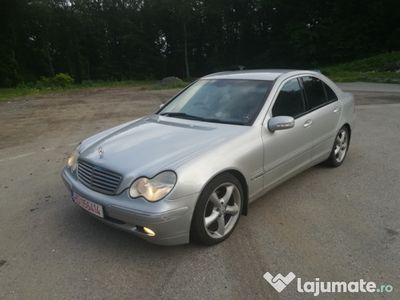 used Mercedes C220 2.2 cdi, an 2004