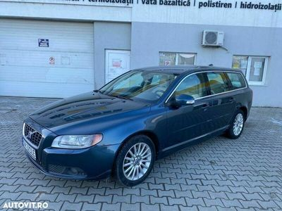 second-hand Volvo V70 D5