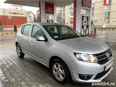 second-hand Dacia Sandero anul Fab-2014-motor-1,5 diesel-Clima