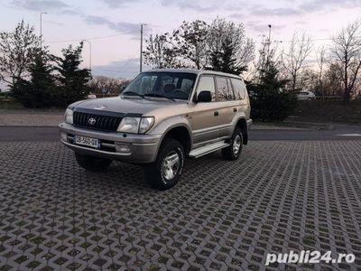 second-hand Toyota Land Cruiser 3.0 tdi an 2001 cu 7 locuri