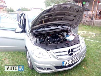 second-hand Mercedes B200 clasic benz