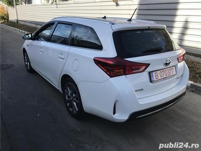 second-hand Toyota Auris
