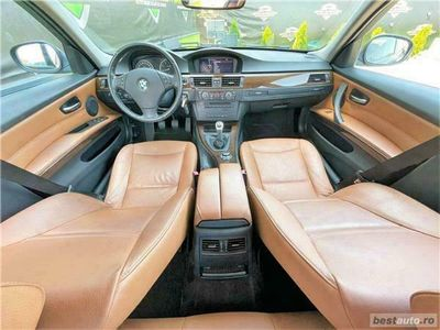 second-hand BMW 320 i - Navigatie MARE - EURO 5 - RATE FIXE SI EGALE/ GARANTIE / LIVRARE GRATUITA LA DOMICILIU
