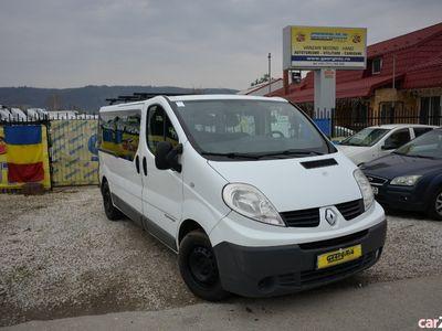 second-hand Renault Trafic 8 + 1 locuri / Stoc 3 unitati