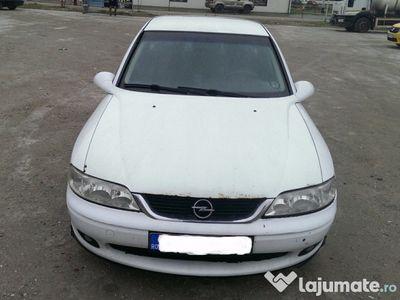 second-hand Opel Vectra B 2001 1,6 benzina 101 cp