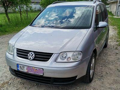 second-hand VW Touran 19 tdi.