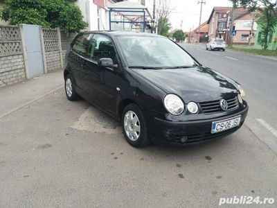 second-hand VW Polo 1,2 i anul 2003 inmatriculat