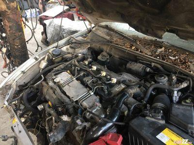 second-hand Toyota Avensis 2.0 d avariata