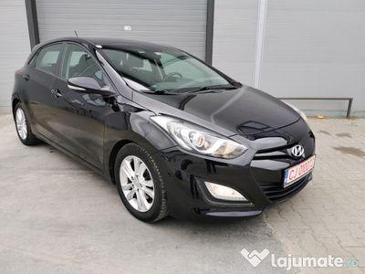 second-hand Hyundai i30 2013, Diesel 1,6 - comenzi volan, climatronic,