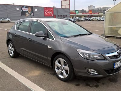 second-hand Opel Astra 1.6 Sport Edition 2010 52000 km