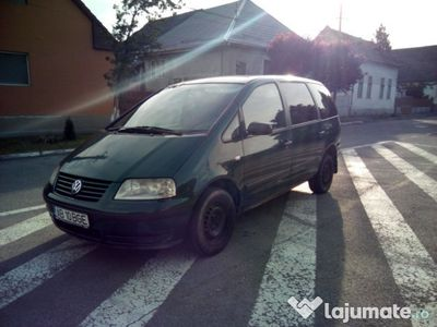 second-hand VW Sharan 1.9 tdi 116 cai 2001