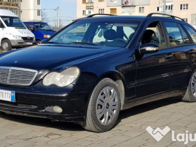 second-hand Mercedes C220 clasaCDI an 2001
