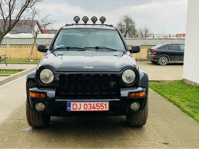 second-hand Jeep Cherokee 2.8 crd automat 2005