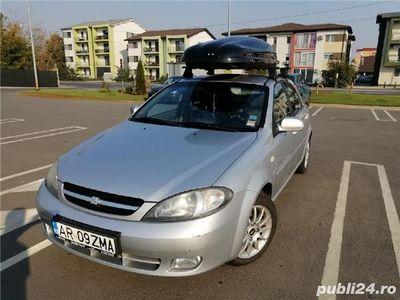 second-hand Chevrolet Lacetti cu portbagaj superior