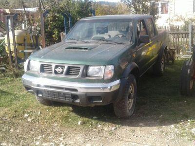 second-hand Nissan Navara 2002