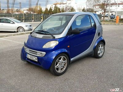 second-hand Smart ForTwo Coupé 0.7 benzina 2002/cutie automata/aer conditionat