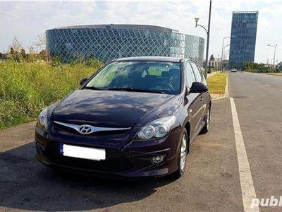second-hand Hyundai i30 1.6 cmc, 126 cai, 2011, 57800 km, Fara accident