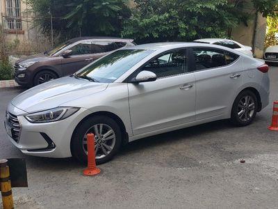 second-hand Hyundai Elantra 1.6 diesel - Garantie dec. 2021