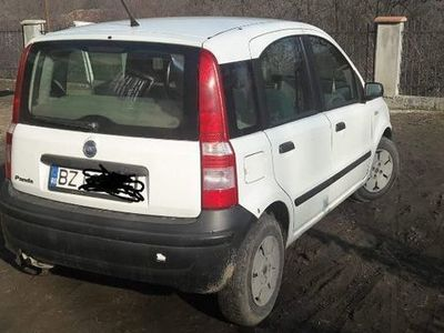 second-hand Fiat Panda din 2004 itp 2019, cauciucuri de iarna, detalii la tel