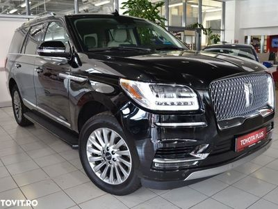 second-hand Lincoln Navigator