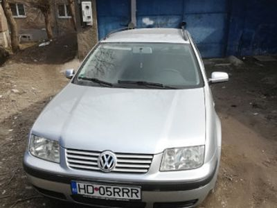 second-hand VW Bora 1,6 benzina, din 2002