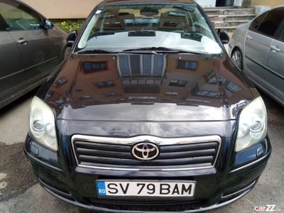 second-hand Toyota Avensis an 2003, 2000 cm3, diesel