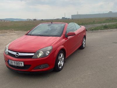 second-hand Opel Astra Cabriolet twin top istoric carvertical