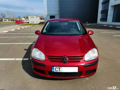 second-hand VW Golf V 1.6 Benzina