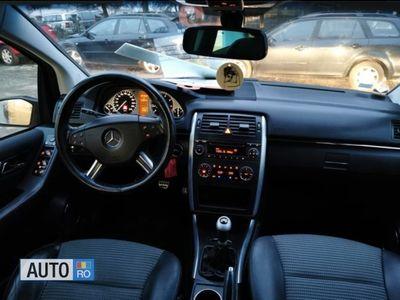 second-hand Mercedes B180 Klasse Benzin I-2006-Finantare rate