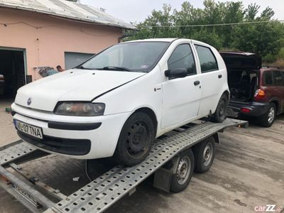 second-hand Fiat Punto 2 1.9 jtd cu turbo intreg/piese