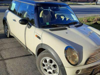 second-hand Mini Cooper 2800 euro negociabil