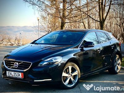 second-hand Volvo V40 2.0D - 150 CP - Mommentum